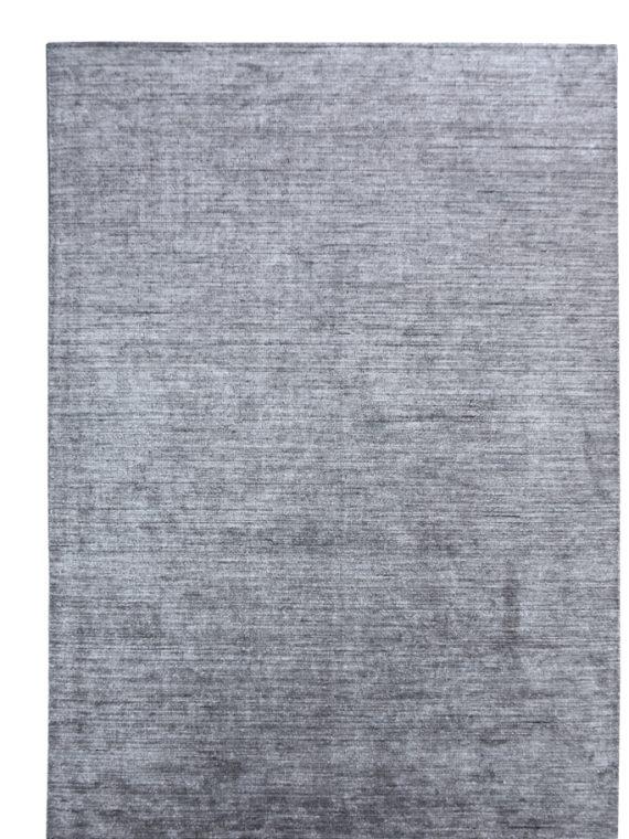 Μοντέρνο χειροποίητο χαλί από φυτικό μετάξι.